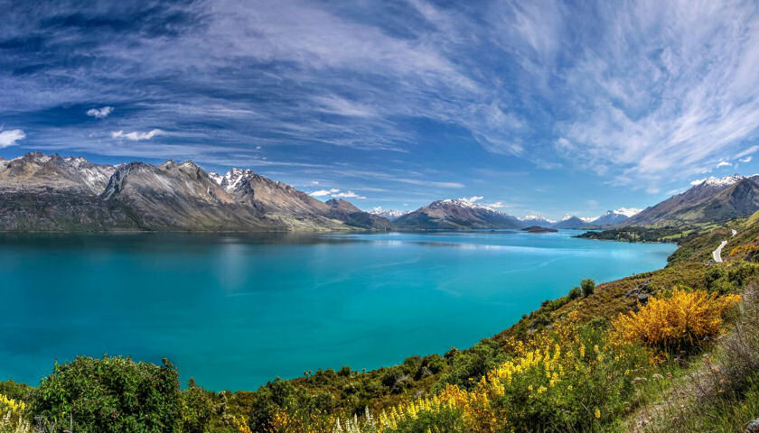 New Zealand lake mountains