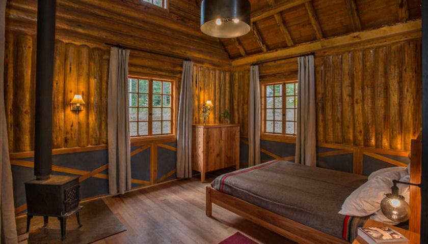 Minam River Lodge cabin interior