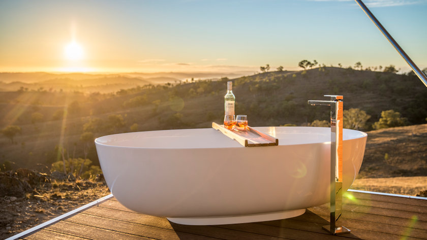 Sierra Escape bathtub